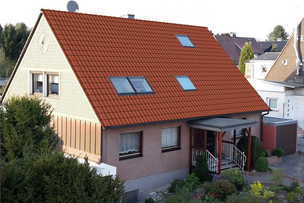 Unsere Serviceleistungen: Braas Fotoplus Dachkonfigurator. Vorschlag rotes Dach